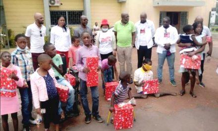 Célébration/Noël en couleur du couple Présidentiel: les enfants handicapés d'Oyem bénéficient de ma magie de Noël de Sylvia Bongo