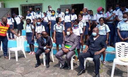 Gabon-Vie scolaire : les élèves de la Réussite sensibiliser aux  méfaits des réseaux sociaux