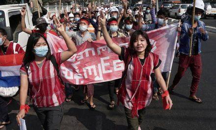 Birmanie : Nouvelles sanctions contre la junte, les manifestations se poursuivent