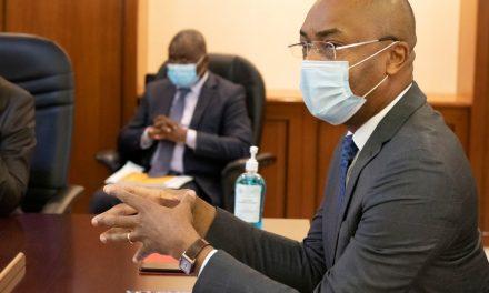 Gabon/Déploiement des professionnels de santé cubains: Dr Patrick Obiang présente le plan de répartition de ces praticiens sur le territoire