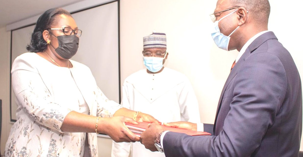 Gabon/Installation du nouveau secrétaire général de la CIMA: Issofa NCHARE,cède sa place à Blaise Abel EZO'O ENGOLO