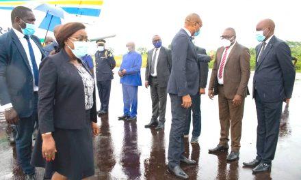 Gabon: Dr Guy Patrick Obiang poursuit la campagne de vaccination contre la Covid-19 à Makokou