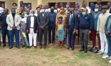 Tchibanga: Le Conseil de la Jeunesse de la Nyanga offre une bibliothèque communautaire aux jeunes de la localité