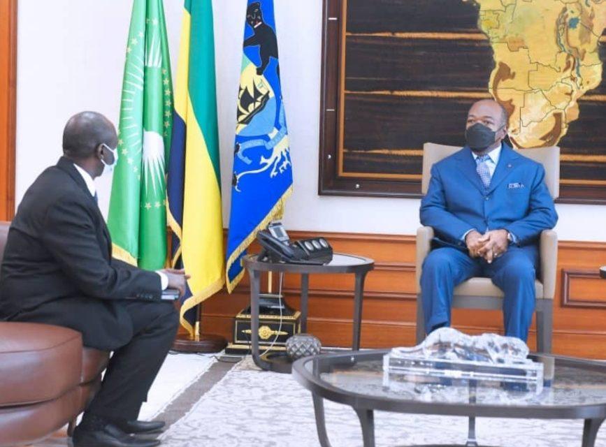 Gabon:Le Gouverneur de la BEAC Abbas Mahamat Tolli reçu par Ali Bongo