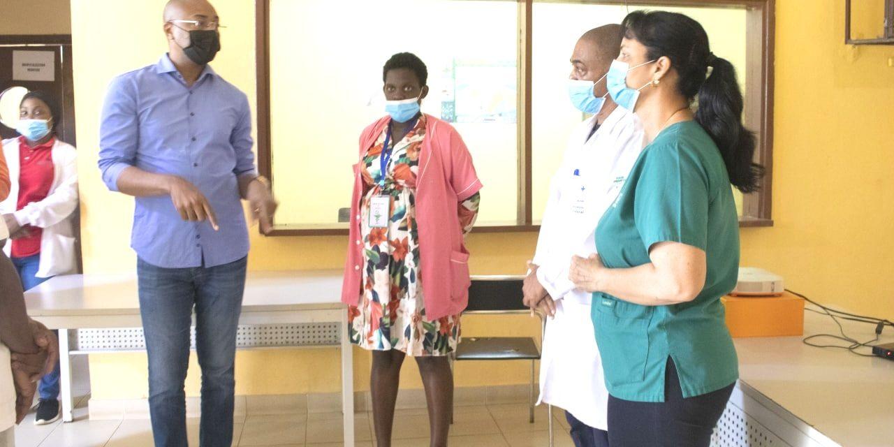 Opérationnalisation des départements sanitaires inscrits dans le PAT : Dr Guy Patrick Obiang en visite inopinée au centre de santé de bifoun